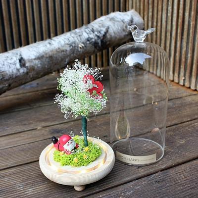 [로랑] 드라이플라워 안개꽃 유리돔 크리스마스 피규어 (봄산타)